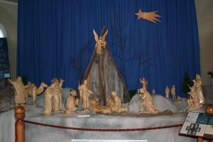 l'église de St-Jean-Port-Joli et une des crèches sculptées